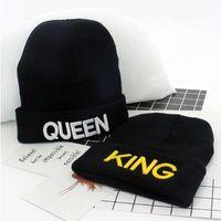 стиль короля шляпы оптовых-Letter caps for women luxury women caps KING embroidered knitted hat QUEEN couple winter ladies woollen hat Hot style