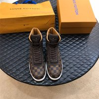 Wholesale top male shoes designers for sale - Group buy 2019 Hot New Upscale Luxury Designer Male Leisure Boots Lace Up High Top Sneakers Fashion Brand Flat Sole Casual For Men Shoes Top Quality