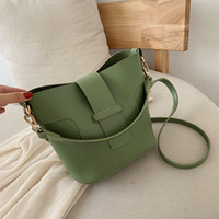 Wholesale new fashionable handbags resale online - The new Korean version of the simple and fashionable handbag with buckets handbags shoulders and oblique shoulders