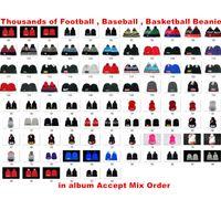 sombreros de equipo gorros al por mayor-Venta al por mayor Deportes Equipo de invierno Gorros Pom Sombreros de punto Esquí al aire libre Beanie Béisbol Gorros de alta calidad Orden mixta