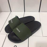 sohle pu sandale großhandel-Herren Top 2018Designer Sandalen Gummi neue Version Leder Flache Sohle Slipper mit breiter Rutsche mit Box ba190419