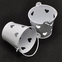 favores de fiesta contenedores al por mayor-5pcs / Lot mini corazón del hueco del Hierro Bucket caramelo Recipiente para fiesta de cumpleaños de la boda de DIY favores de paquete para las cestas de flores Mini