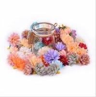 fleurs en tissu fait main en soie achat en gros de-300pcs gros Petit soie Oeillets main Tissu Corolle pour le mariage décoration bricolage Couronne guirlande halo cadeau Scrapbooking Craft