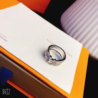 jóia je venda por atacado-Luxo designer de jóias mulheres anéis de prata dos homens do anel de ouro branco e diamantes letras anéis de casamento amor anel de moda de luxo je