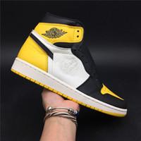 zapatillas actualizadas al por mayor-Actualización de los zapatos de baloncesto para hombre de Yellow Toe 1s. Zapatillas de diseñador de marca. Zapatillas deportivas de moda con la mejor calidad.