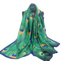 peacock xales seda venda por atacado-90 * 180 CM Verde das Mulheres Sanrf Elegante Lenço De Seda Macio Verde Pavão Impressão de Penas Cachecol Protetor Solar Xaile Turismo MY-SK025