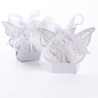 ingrosso farfalla favoriscono i titolari-Scatole di caramelle di caramelle di favore di taglio laser europeo Vendita calda di caramelle di compleanno di Natale del fumetto Nuovi contenitori di caramelle di farfalla con il nastro