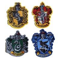 demir harry potter yaması toptan satış-PGY Harry Potter Çıkartmalar Rozeti Işlemeli Demir On Yamalar Giyim Kot Gryffindor Hogwarts Slytherin Için Yama Dekor
