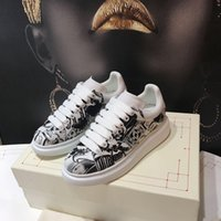 Wholesale flat platform animal resale online - Top Quality designer shoes Genuine Leather Sneaker Luxury Mens Women Fashion White Leather Platform Shoes Flat Casual Shoes yd190728