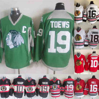 patrick sharp jerseys verdes al por mayor-Chicago Blackhawks 16 Brett Hull 18 Denis Savard 19 Jonathan Toews 10 Jersey de hockey Patrick Sharp Rojo Blanco Verde Negro Envío rápido