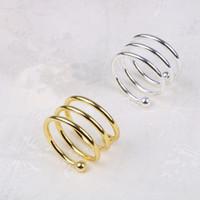 таблица привилегий оптовых-Металлические пружинные кольца для салфеток для стола кухня салфетка держатель свадебный банкет ужин рождественский декор пользу кольца для салфеток EEA326
