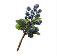 ingrosso piante di mirtilli-10pcs Mirtillo decorativo Frutta Bacca Fiore artificiale Fiori di seta Frutta per la decorazione domestica di nozze Piante artificiali blu