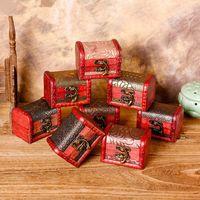 caja de madera vintage al por mayor-Caja de joyería de la vendimia Caja de almacenamiento organizador Mini madera patrón de flor Contenedor de metal Cajas pequeñas de madera hechas a mano RRA1242