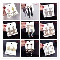 pendientes de imitación al por mayor-2019 Marcas europeas de alta gama Classic Crystal Letter Stud Earrings Joyería de moda para mujeres Declaración Pendientes de perlas de imitación Joyería