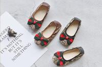 sevimli kız daireleri toptan satış-Tasarımcı ayakkabı ilkbahar ve sonbahar yeni kızlar düz ayakkabı çocuk su geçirmez hafif kaymaz yay giymek bebek sevimli prenses