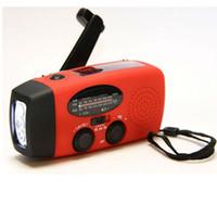 luz manivela venda por atacado-AM / FM / WB Solar Rádio luz de Emergência Manivela Solar Power 3 LED Lanterna Elétrica Tocha Dínamo Brilhante Lâmpada de Iluminação Novidade Itens ZZA392