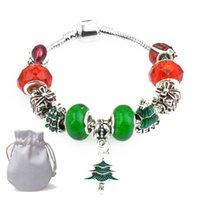 ingrosso scatole regalo di braccialetto di pandora-Pendenti con albero di natale Bracciali Fit Pandora Girl Rosso Verde Perle in vetro cristallo Bear Square Confezione regalo Beaded Bangle Gioielli in argento P107