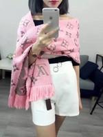 seidenglanz großhandel-Neuer 2019 Art und Weise Schal Winter-LOGO MANIA SHINE Schal Luxus Damen Herren Zwei Seiten Schwarz Rot Silk Wolldecke Schal Designer Schal
