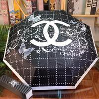 équipement de pluie homme achat en gros de-C-4 nouveaux arrivants de luxe designers Rain Gear hommes femmes Brand Design parapluies pour sun wedding beach decoration