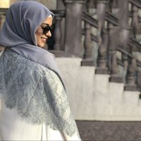 hijab moda de encaje al por mayor-De lujo 180 * 76cm de la burbuja del cordón del llano de la gasa del mantón del hijab señoras sólidas bufandas y los abrigos de moda hijab musulmán del capo de la redecilla