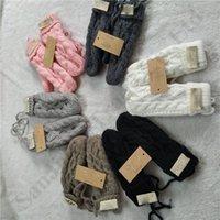 linha de luvas venda por atacado-Austrália UG Luvas torção Mulheres com forro de lã torcida Knit Glove Mittens Marca Outdoor Ski esporte de inverno Luvas de lã Mistura Mittens New C103108