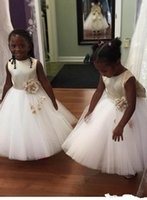 Wholesale princess first communion dresses resale online - Princess Flower Girl Dresses Champagne Bow White Tulle with Flowers Cute Jewel Neck Formal Wears for Weddings First Communion Dresses