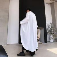 camisas largas cortinas hombres al por mayor-MIXCUBIC 2019 Otoño estilo británico Camisas de diseño de capa únicas para hombres Camisas drapeadas sueltas de sección larga para hombres, talla M-XL