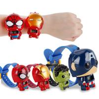 brinquedos quentes homem de ferro venda por atacado-Venda quente Os Vingadores relógio eletrônico para crianças Iron Man Homem Aranha Gigante verde Capitão América boneca deformação brinquedo