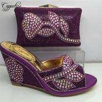 cuñas zapatos de boda bolsas al por mayor-Diseñador El último conjunto de zapatos y bolsos de diamantes de imitación de color púrpura para la mujer Cuñas africanas Tacones, zapatos y conjunto de bolsos para la boda 5colors Bl185c