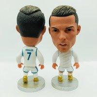 yükseklik yıldızları toptan satış-Soccerwe Futbol Yıldız Cristiano Ronaldo Benzema Kroos Asensio Isco Modric Bale Marcelo Heykelcik Heykeli Beyaz Kiti 6.5 cm Yükseklik Reçine Hediye