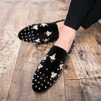 top zapatos de vestir para hombre italianos al por mayor-New Fashion Gold Top y Metal Toe Men Velvet Dress shoes italian mens dress mocasines hechos a mano