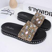 zapatillas de cristal plano al por mayor-Chanclas de playa para mujer Zapatillas planas Zapatos casuales para mujer Zapatillas de diapositivas doradas Sandalias de cristal Bling Zapatillas de marca para mujer