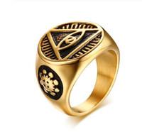 mens 316l ringe großhandel-Herrenring Classic Hip Hop Herren Illuminati Der Allsehende Illunati Pyramide / Augensymbol Tone Gold Farbe 316L Edelstahl Siegelring