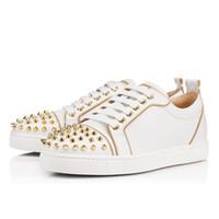 zapatos de punta en línea al por mayor-Zapatillas de diseñador para hombre, botines rojos, tachuelas, zapatos planos, amantes de la fiesta en línea de calidad superior para mujer, zapatillas de cuero genuino, tamaño 36-47