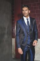 blaue glänzende hose großhandel-Klassisches Design Shiny Marineblau Bräutigam Smoking Peak Revers One Button Groomsmen Mens Brautkleid Excellent Man Suits (Jacke + Hose + Weste + Tie) 37