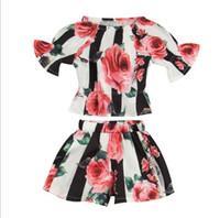 ingrosso boat neck shirt-Abbigliamento bambina Stripped Flower Print Set di due pezzi Camicia scollo a barchetta manica corta per bambini estate + set di abbigliamento per bambini morbido e morbido