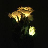 melhor levou rosa venda por atacado-Artificial Solar Power Sunlight Lírio Rose Flor Jardim Decoração de Luz LED e Melhor Decoração para o Partido