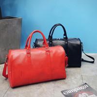 wassertasche fitness großhandel-Motion Fitness Bag Sup Markenpaket Oblique Span Handtasche Large Space Water Proofing Schwarz Rot Das neue 38xy f1