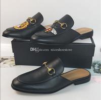 zapato con hebilla para hombre al por mayor-Mocasines de cuero de lujo Muller Designer Slipper Zapatos para hombre con hebilla Moda Hombres Mujeres Princetown Slippers Ladies Casual Mules Flats 35-46