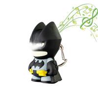 batman llevó luces al por mayor-El llavero de dibujos animados de Batman con luz nocturna LED puede hacer una linterna de sonido para los niños.