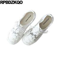 hermoso bordado blanco al por mayor-Bordado transpirable cómodo blanco damas mujeres hermosas pisos zapatos hechos a mano de malla de malla bordado floral retro personalizado