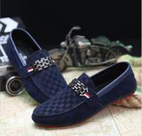 zapatillas de gamuza azul al por mayor-2019 Primavera Suede Hombres Casual Zapatos de conducción Moda Slip-on Rojo Negro Azul de corte bajo Rojo Zapatos deportivos al aire libre Hombre Zapatos Zapatillas 39-46