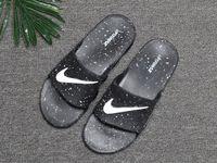 sandália de sneaker ao ar livre venda por atacado-Com chinelos de Moda sandálias Slides preto Frete grátis homens tênis de basquete sapatos casuais tênis ao ar livre designer slides tamanho 40-45