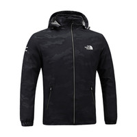 dış kat fermuarı toptan satış-Erkekler Tasarımcı Ceket Kuzey Erkek Bahar Sonbahar Güz Ceket Açık spor Kapüşonlu Yüz Rüzgarlık Mont Fermuar Camo Hoodie Artı Boyutu C8703