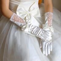elfenbein kleid handschuhe großhandel-Ivory White Satin Brauthandschuhe mit Bogen voller Finger Elegant Bride Bridesmaid Hochzeit Glove Brautkleid Zubehör