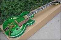 guitare électrique corps creux vert achat en gros de-Usine de vente directe de nouvelle guitare électrique jazz corps creux jazz magnifique vert avec incrustation de vigne de fleur, trépied couleur guitare glace, personnalisé