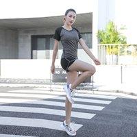 vêtements à rayures blanches achat en gros de-Vêtements de yoga d'été Débutants mince vitesse Vêtements secs Running Gym costume de sport Femmes Noir Rose Blanc Gris Tissu de haute qualité