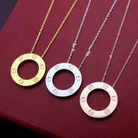 zincir avrupa aşkı toptan satış-2 adet / grup Avrupa ve Amerikan Yeni ürün Titanyum çelik AŞK vida ipek tırnak Klasik kolye Çift yüzük Kısa kız Klaviküler zincir