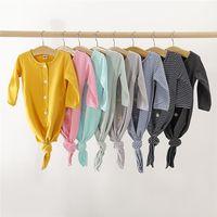 pamuklu olanlar kızlar için toptan satış-INS Tasarımcı Şık Güzel Yenidoğan Battaniye Tulum Boş Pamuk Bebek Erkek Kız Tulumlar Ön Düğmeler Çizgili Onesies 0-12 M