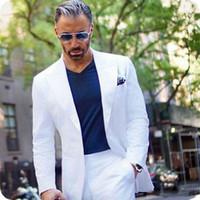 homens smoking traje branco venda por atacado-2020 Casaco Calças Projetos Mens Branco Ternos de Noivos Smoking Homem de Negócios Blazers Jaqueta de Pico Largo Lapela Traje Homme 2 Peça Terno Masculino
